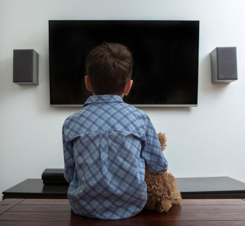 too much tv is bad Does too much tv bad and cause your brain to rot in literal terms, no watching tv isn't so much bad for the eyes as it is bad for the brain and body if you are sitting down, vegging, then you aren't getting any exercise, which leads to obesity and other health problems.
